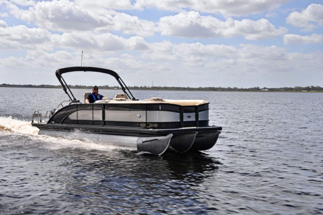 New 2019 Barletta L23QCSS BLACKOUT PACKAGE - TRI TOON PACKAGE