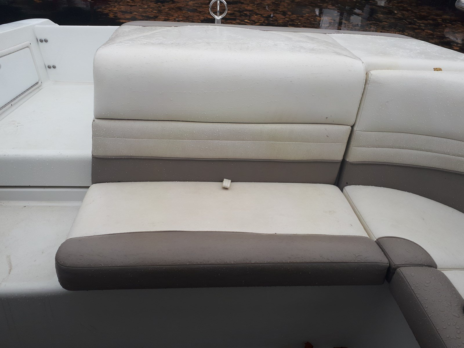 Pre-Owned 2000 Cobalt 226 CONVERTIBLE TOP - CAPTAIN'S CHAIRS