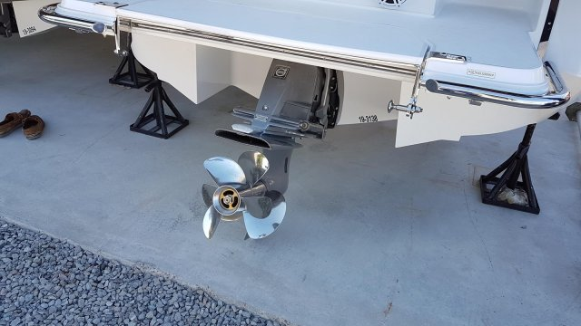 New 2019 Cobalt R3 - EASY FOLD BIMINI TOP - DOCKING LIGHTS - DUAL PROP