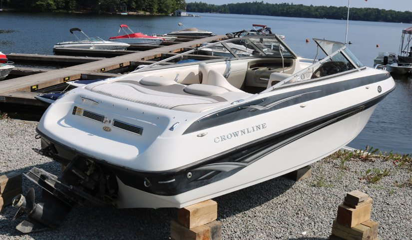 Pre-Owned 2005 Crownline 180 MERCRUISER - SKI LOCKER