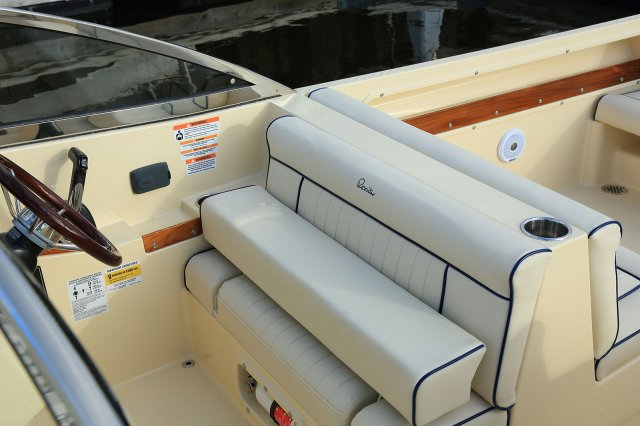 New 2017 Rossiter 23 CD WINDSHIELD WIPERS - BIMINI FULL ENCLOSURE - SEAGRASS CARPET